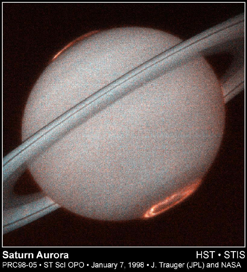 """A """"caccia di Aurore"""" tra le immagini di Saturno della sonda Cassini."""