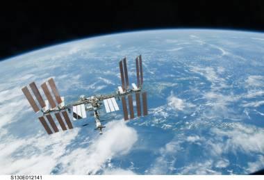 Immagine della ISS ripresa dallo Shuttle